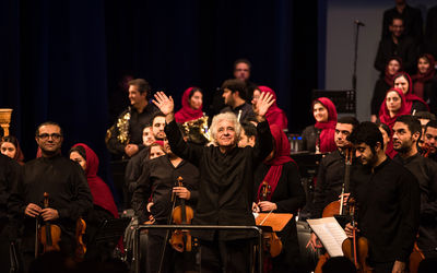 Tehran Symphony Orchestra Performs with Guest Conductor Loris Tjeknavorian