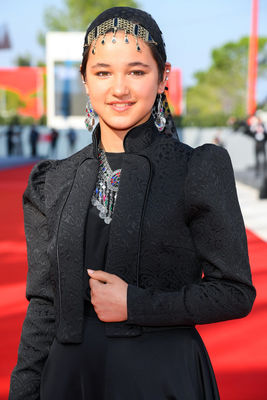 094 Shamila Shirzad walks the red carpet ahead of the movie Khorshid (Sun Children) at the 77th Venice Film Festival on September 06_ 2020 in Venice_ Italy.