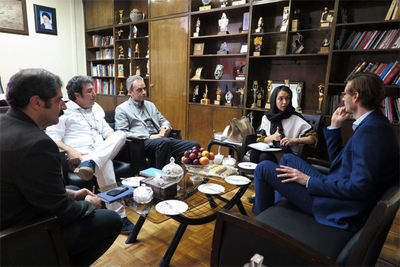 Germany, Iran discuss expansion of ties on Fajr theater festival