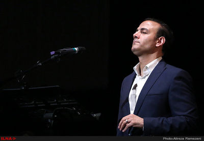 "Vocalist Alireza Qorbani joins Vancouver Opera Orchestra for ""Resurrection"""