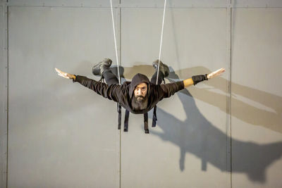 "Crazy Body director Yasser Khaseb gives nod to national heroes in ""Sky Wall"""