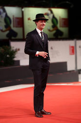 09991 Tom Schilling walks the red carpet ahead of the _Werk Ohne Autor (Never Look Away)_ screening during the 75th Venice Film Festival