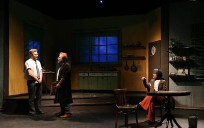 """Iranian troupe restages """"True West"""" at Tehran theater"""