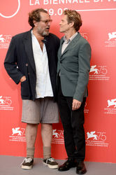 01 Julian Schnabel and Willem Dafoe attend _At Eternity_s Gate_ photocall during the 75th Venice Film Festival