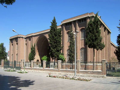 Coop. between Iranian, French museums to be strengthened