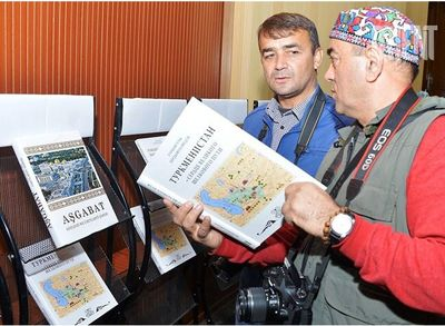 Turkmenistan Book Fair Honors Iranian Publishers in Ashgabat