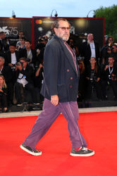 08 Julian Schnabel walks the red carpet ahead of the _At Eternity_s Gate_ screening during the 75th Venice Film Festival